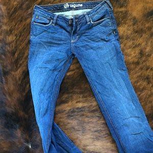 Bullhead jeans, size 5. Super stretch